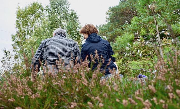 Malin och Claes i svampskogen