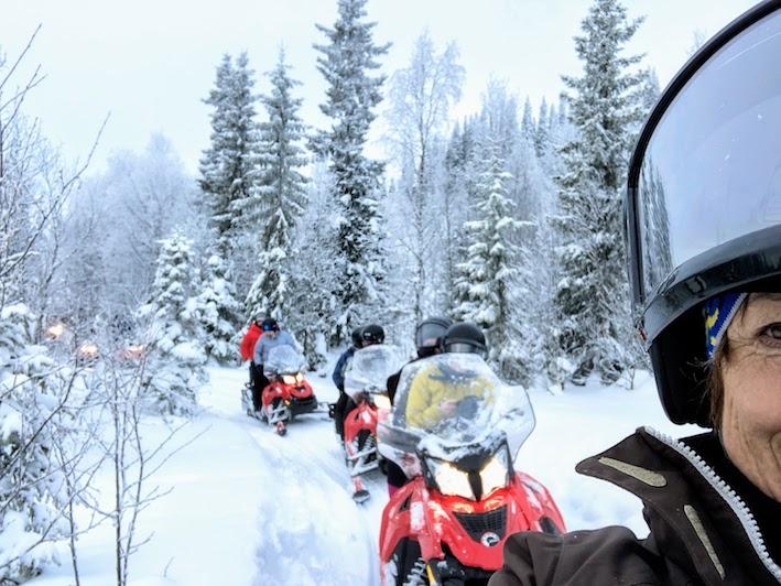 skoterkörning winterworkation i Åre