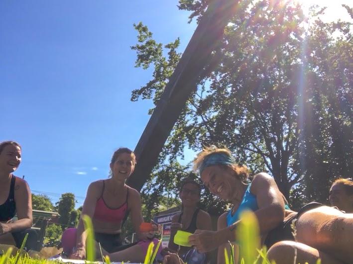 volanglöpning tillsammans, global sports bra squad day, löparglädje