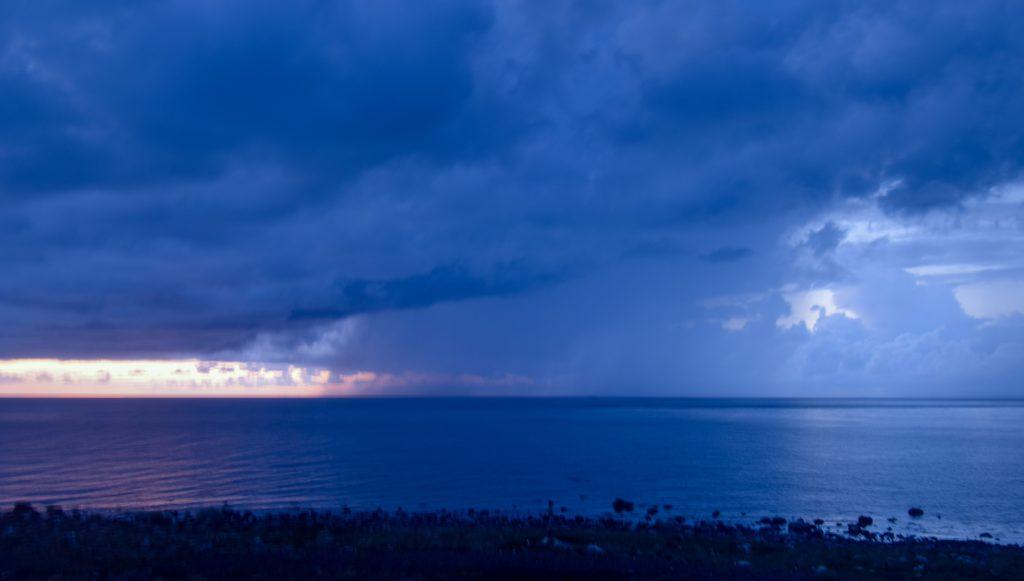 På Nidingen blir livet vackrare och tankarna klarare, himmel, väder, hav