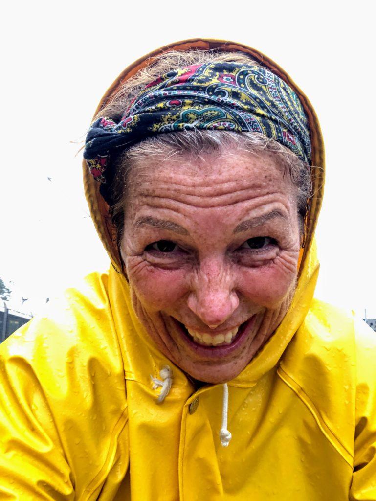 Det hälsosamma med att vara glad, ösregn, motvind, tranpsortcykling, Malin Lundskog