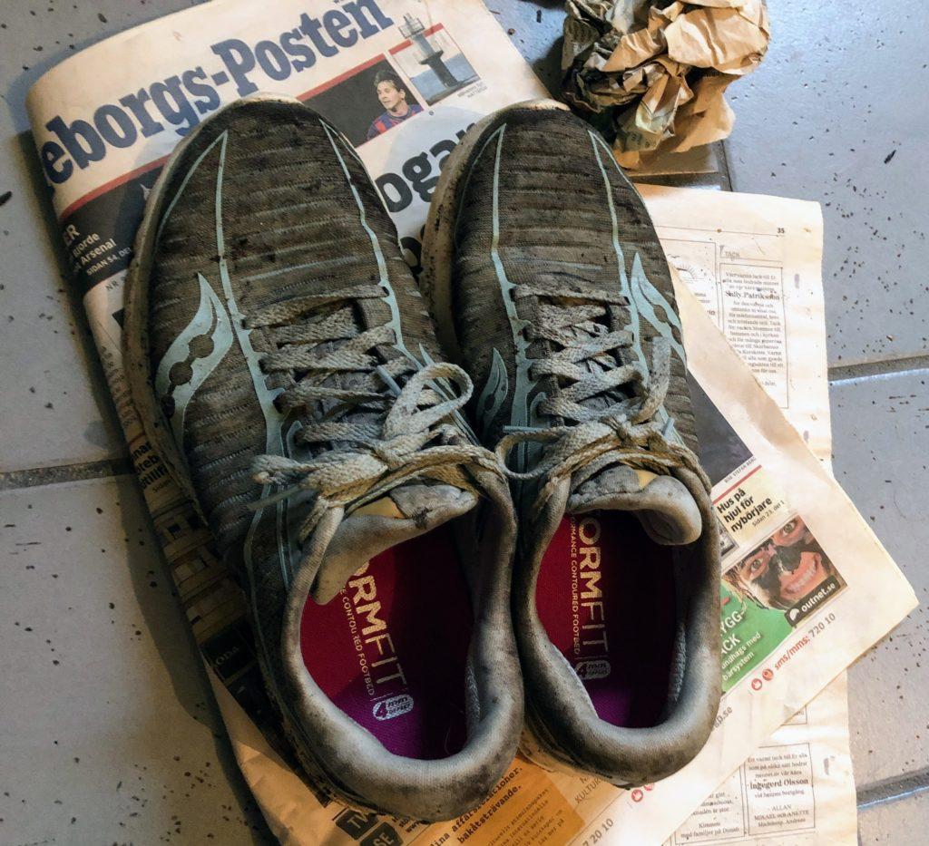 Tips på hur du gör rent dina löparskor så att de håller, smutsiga löparskor, hållbarhet