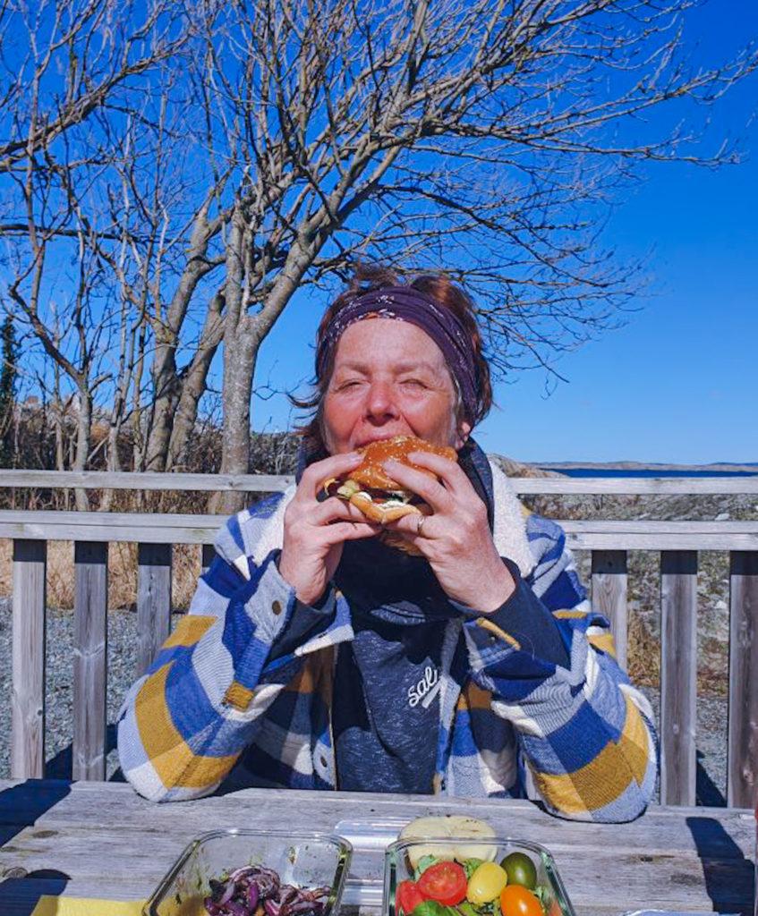 när det enkla är enkelt, då är det lätt att leva, Malin Lundskog, grilla, havet, Knippla, öliv, Beyond burger, hälsa, hållbar