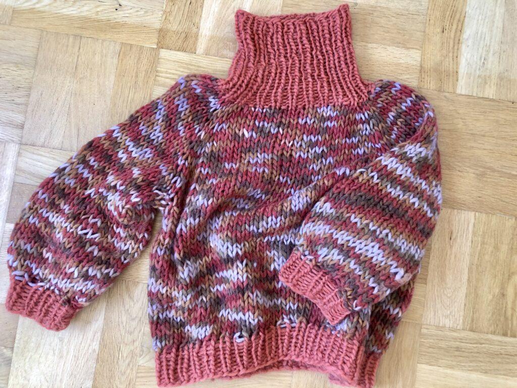 snabbstickad tröja, Malin Lundskog, adlibris, moosonee sweater,