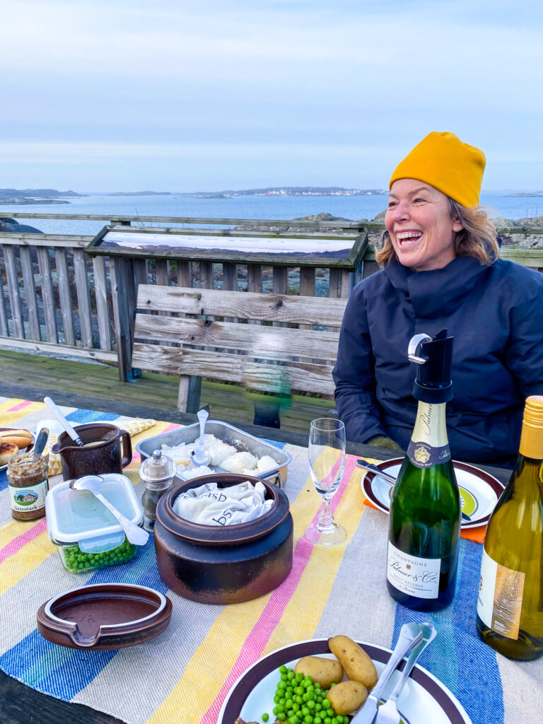 Vänner, lutfisk och ledig lördag, glädje, utsikt, västkusten, Knippla